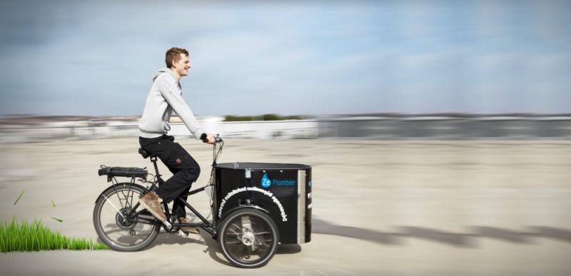 Plombier en vélo cargo